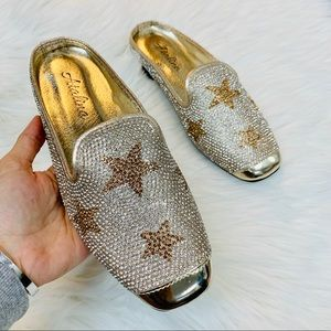 Shoes - Gold rhinestoned star mule